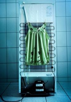 Secar Roupas Atrás do Refrigerador